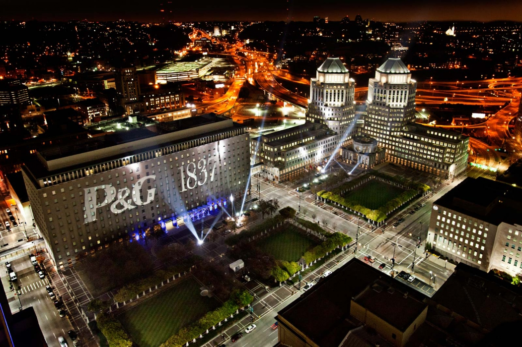 night view with light projection of p&g main office in Cincinnati Ohio - architectural photography