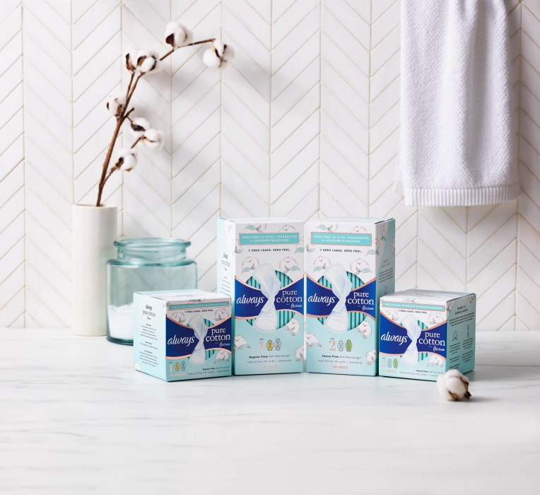 Always pure cotton pads in bathroom - p&g product photography